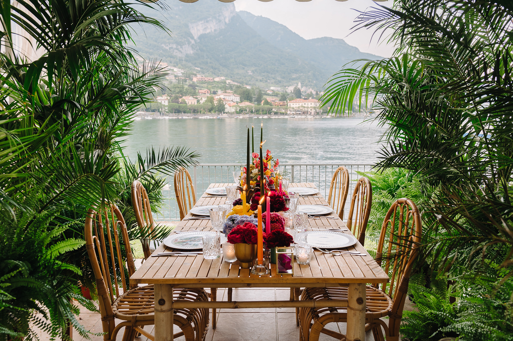 Wedding table on Como lake, wedding in Italy, destination wedding